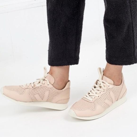 Veja Holiday Bastille Sneakers Blush
